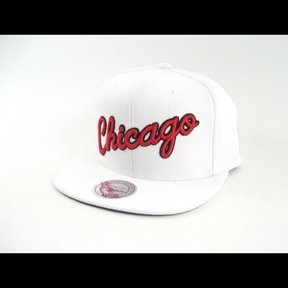 b9c7417eb MITCHELL & NESS CHICAGO BULLS STOP ON A DIME HAT NWT